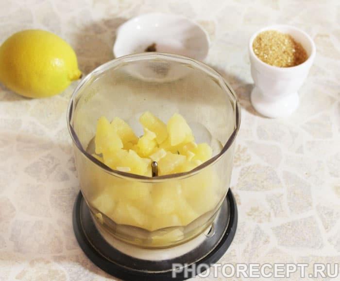 Фото рецепта - Кисло-сладкий соус из ананасов - шаг 2