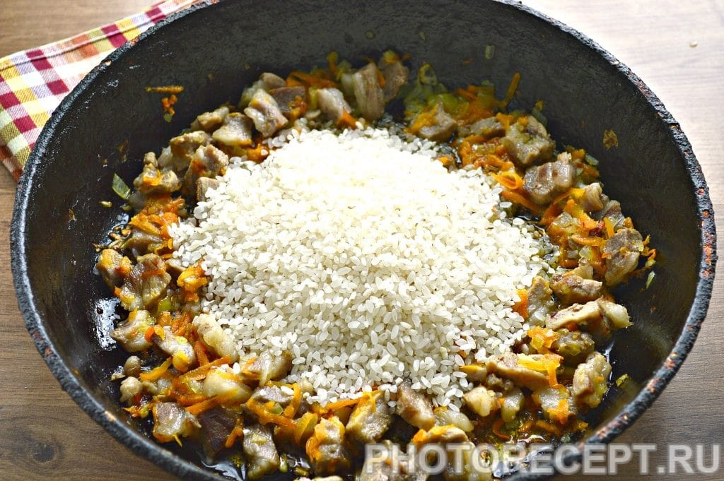 Фото рецепта - Рис с мясом на сковороде - шаг 5