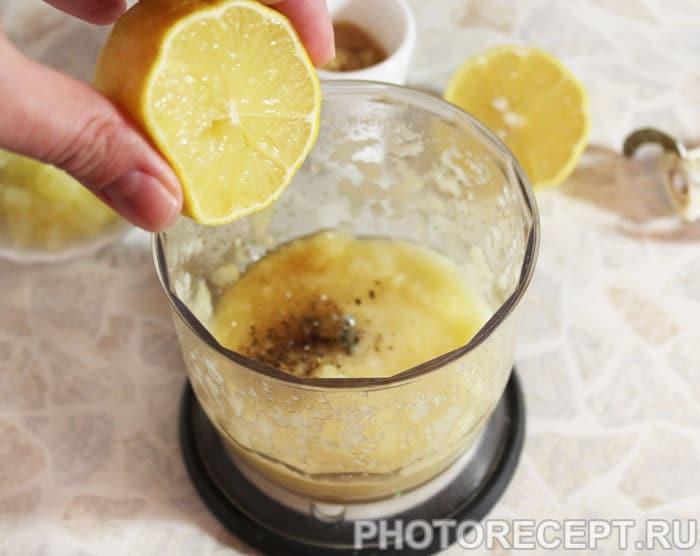 Фото рецепта - Кисло-сладкий соус из ананасов - шаг 3