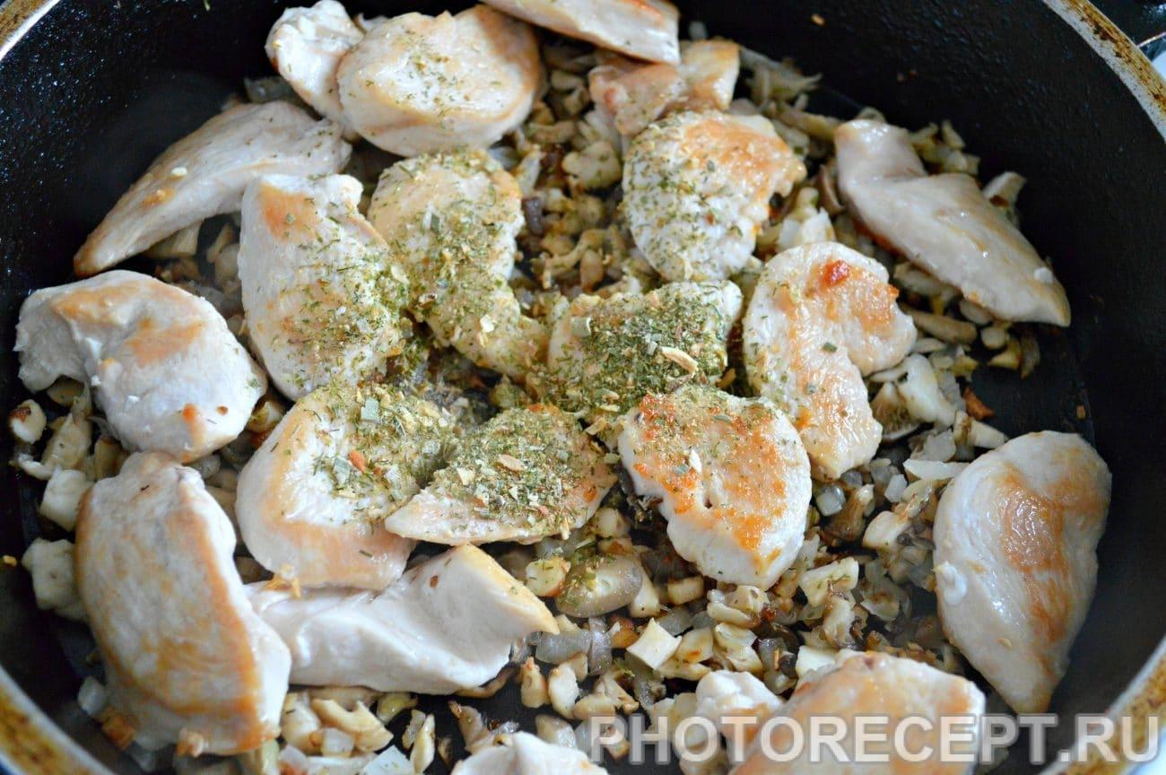 Куриные грудки с грибами пошаговое фото