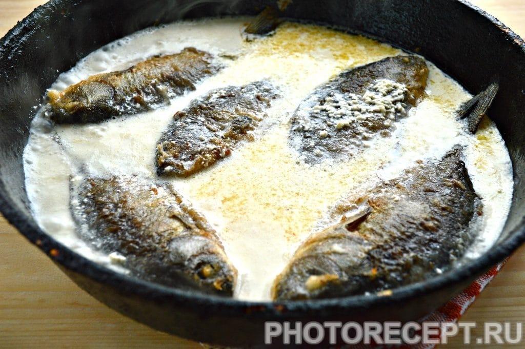 Фото рецепта - Рыба тушеная в сметане - шаг 5