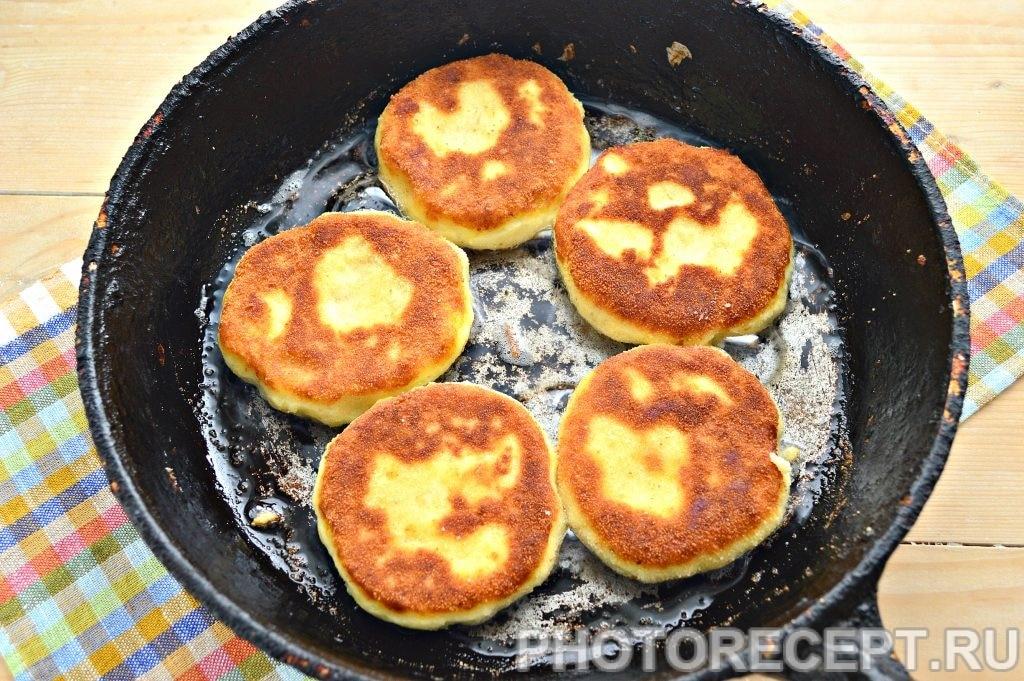 Фото рецепта - Картофельные котлеты в панировке - шаг 6