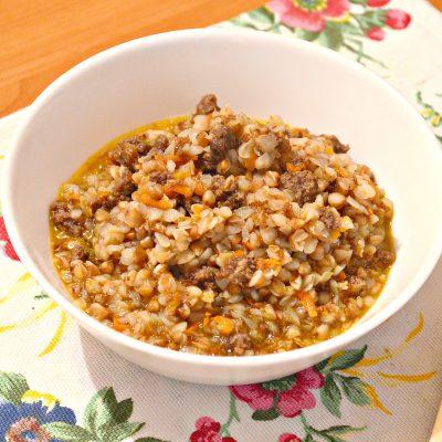 Гречневая каша с мясным фаршем - рецепт с фото