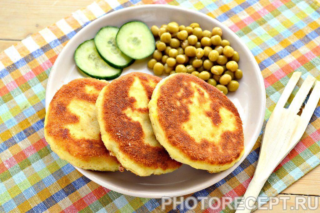 Фото рецепта - Картофельные котлеты в панировке - шаг 7