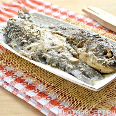 Рыба тушеная в сметане - рецепт с фото