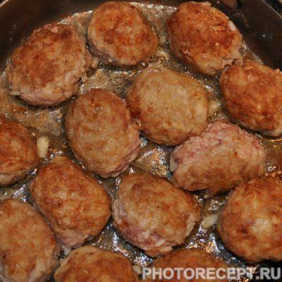 Фото рецепта - Тефтели с рисом - шаг 4