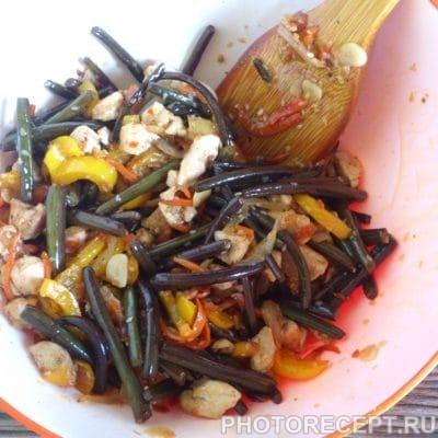 Закуска — курица с папоротником и овощами - рецепт с фото