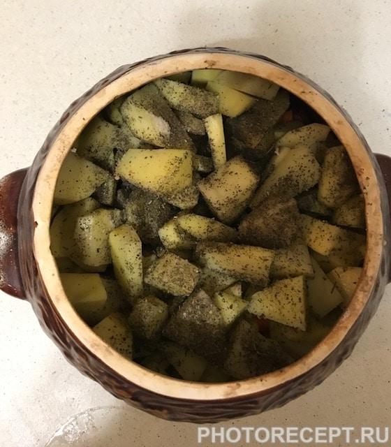 Фото рецепта - Жаркое по-домашнему в горшочках - шаг 6