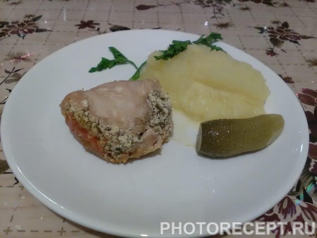 Фото рецепта - Конвертики из куриного филе с сыром - шаг 10