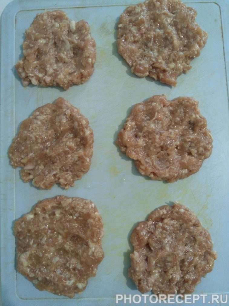 Фото рецепта - Гамбургеры «Домашние» с мясной котлетой - шаг 2