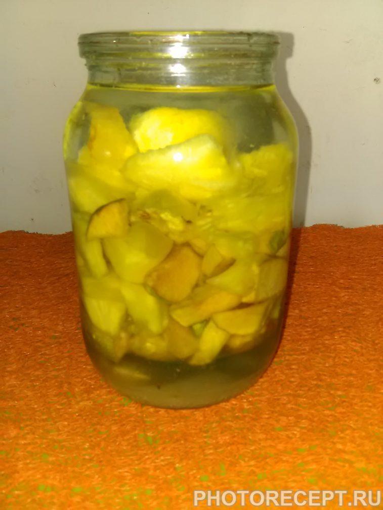 Фото рецепта - Ликер из айвы и ананаса - шаг 5