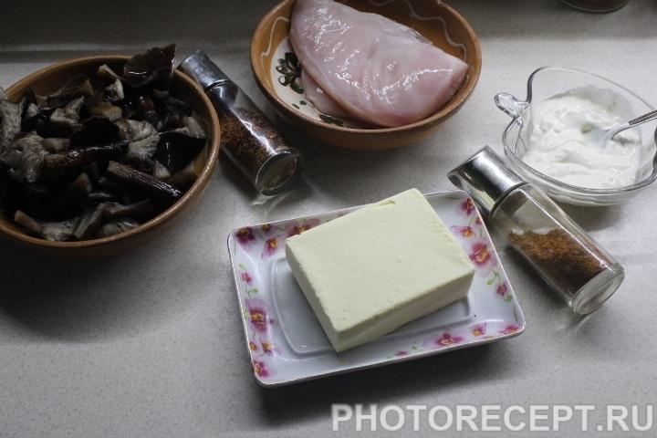 Фото рецепта - Куриный рулет с грибами - шаг 1
