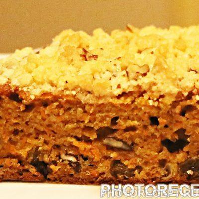 Морковный кекс с пеканом и штрейзелем - рецепт с фото