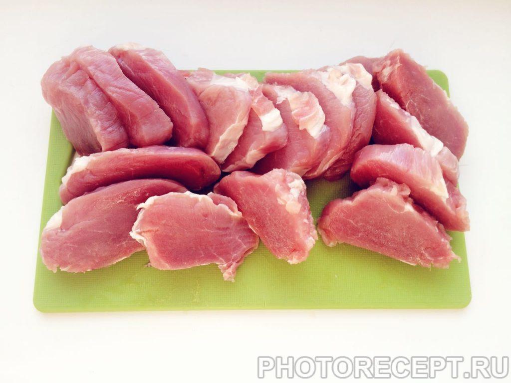 Фото рецепта - Мини-шницель в панировке из манной крупы - шаг 1