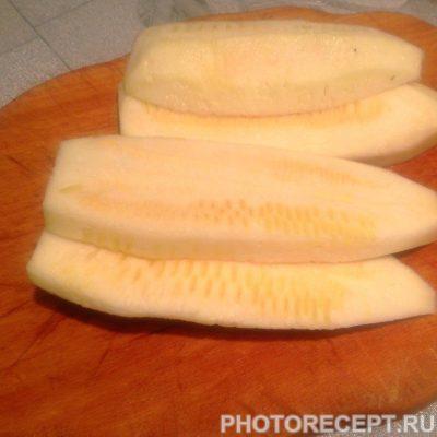 Фото рецепта - Потрясающие оладьи из кабачков - шаг 1