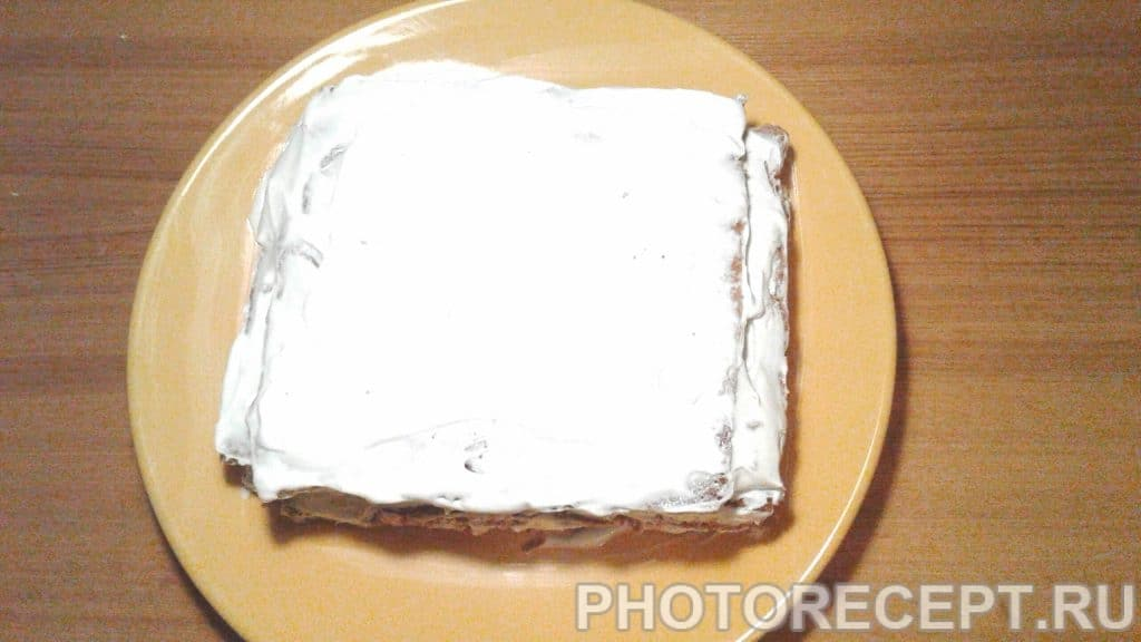 Фото рецепта - Торт «Сметанный медовик» - шаг 6