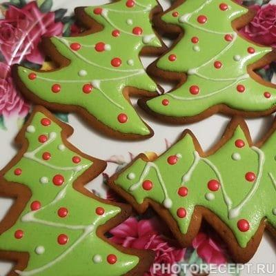 Рождественские пряники с глазурью (печенье) - рецепт с фото