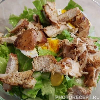 Фото рецепта - Салат из пекинской капусты и куриного филе - шаг 4