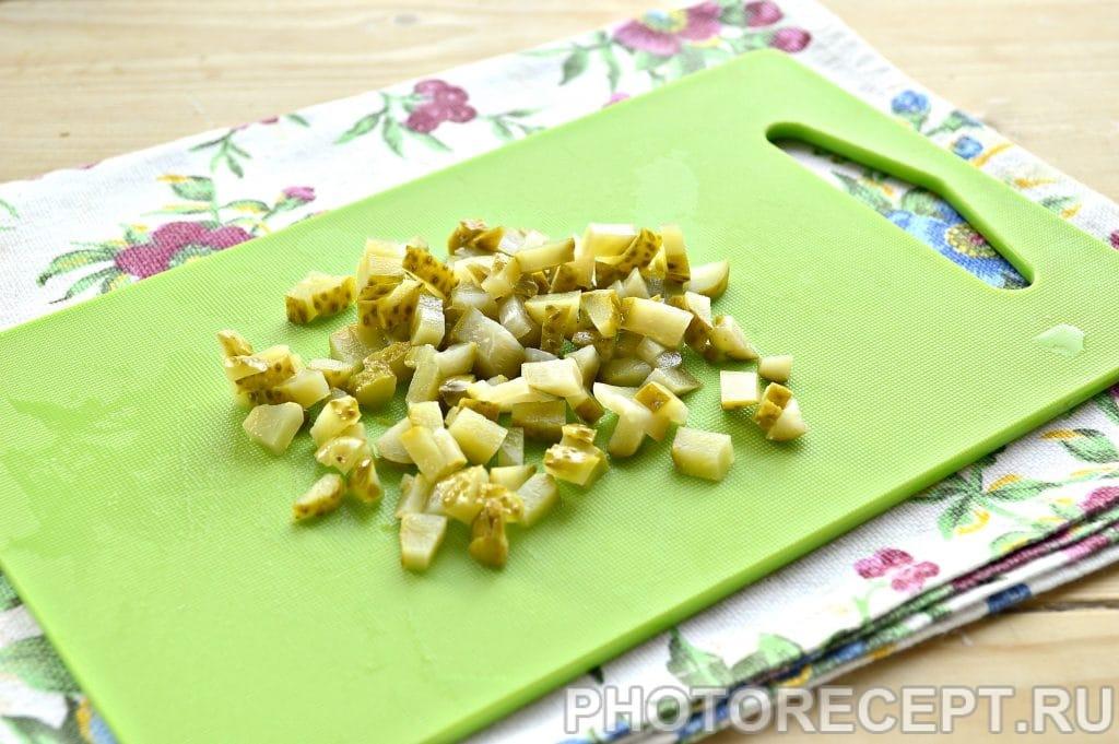 Фото рецепта - Салат с консервированным тунцом и рисом - шаг 3