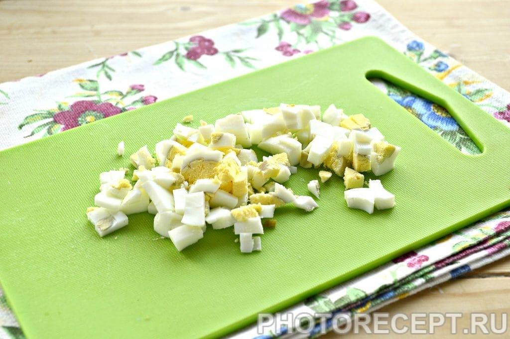 Фото рецепта - Салат с консервированным тунцом и рисом - шаг 4