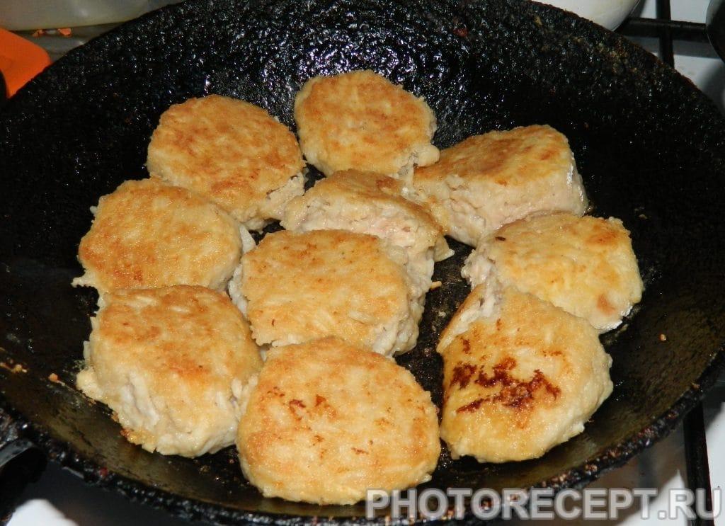 Фото рецепта - Ежики из фарша с рисом - шаг 5
