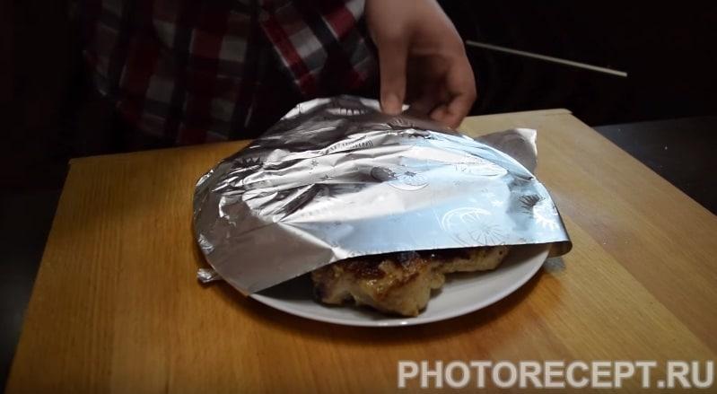 Фото рецепта - Жареный стейк из свинины на гриле - шаг 6