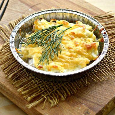 Мясо в духовке под сырной корочкой - рецепт с фото