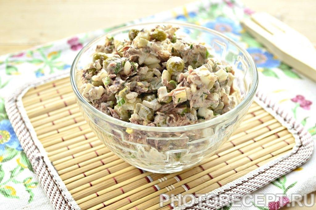 Фото рецепта - Салат с консервированным тунцом и рисом - шаг 7