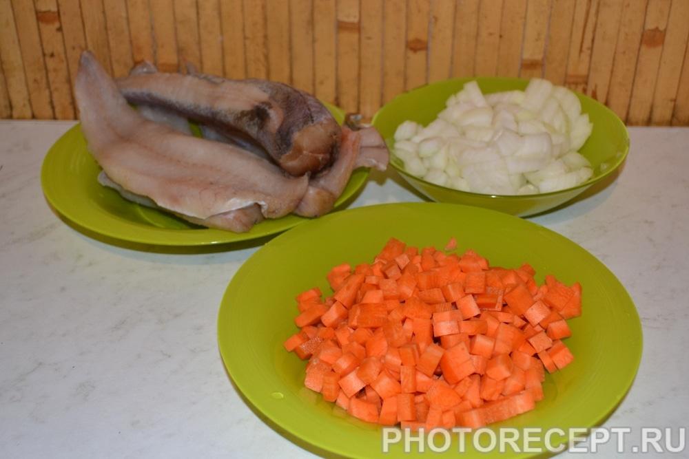 Фото рецепта - Тушеная рыба в томатном соусе (как консервы) - шаг 1