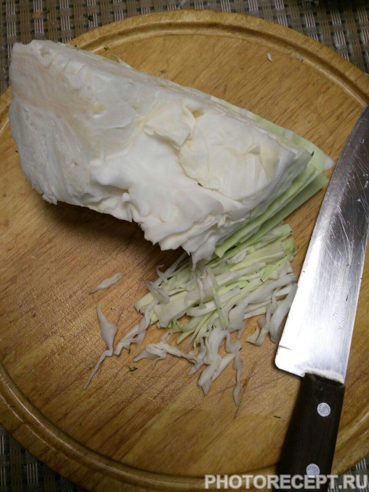 Фото рецепта - Салат из капусты «Свежесть» - шаг 1