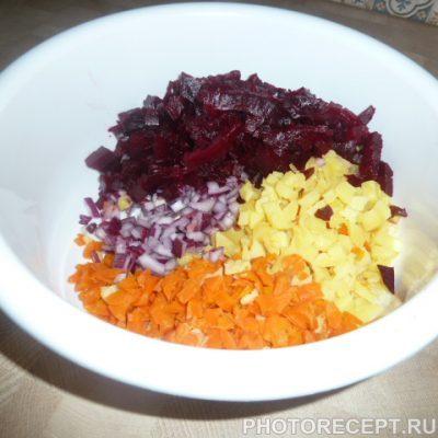 Фото рецепта - Полезный винегрет с морской капустой - шаг 2