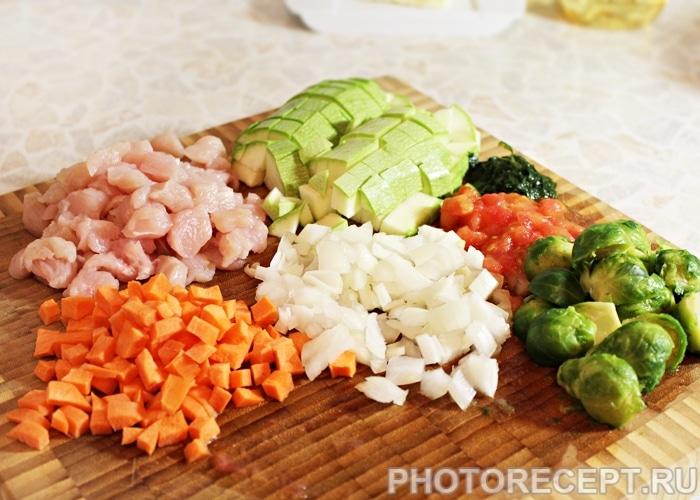 Фото рецепта - Овощной суп Минестроне с индейкой и фасолью - шаг 2