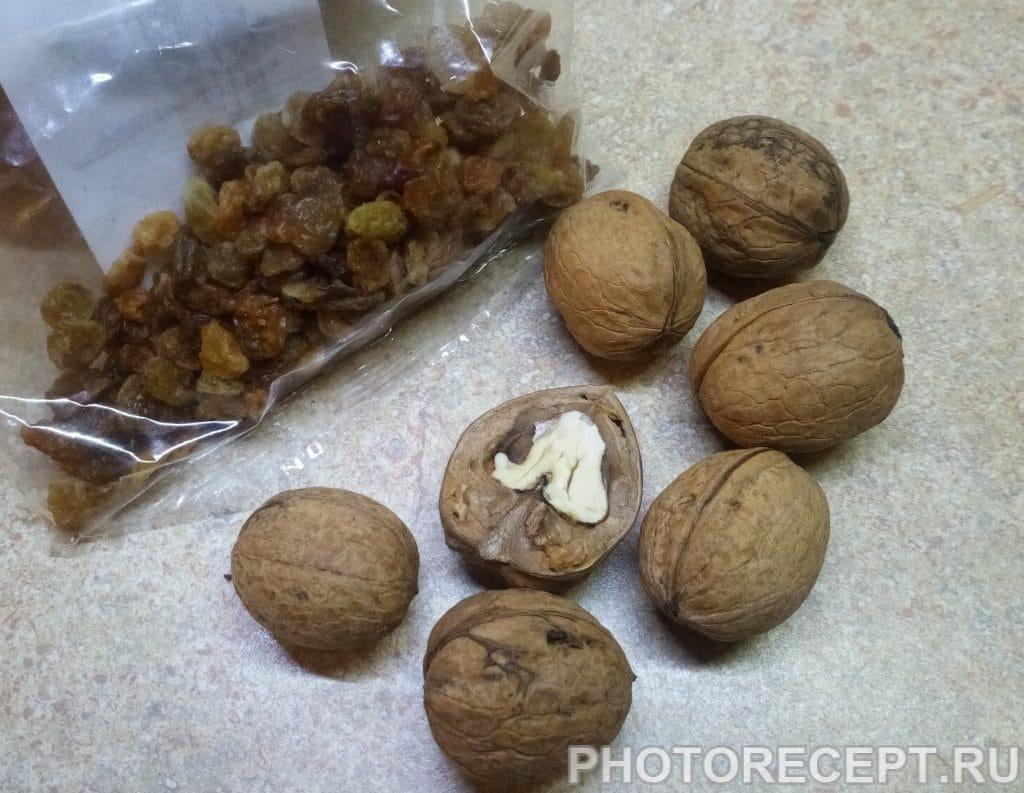 Фото рецепта - Кутья из пшеницы с изюмом и орехами - шаг 2
