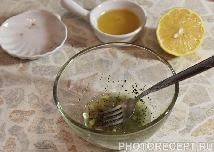 Фото рецепта - Салат из цветной капусты с огурцом и перцем - шаг 5