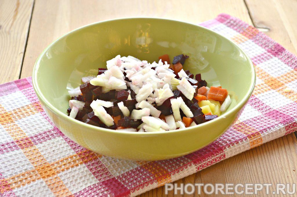 Фото рецепта - Винегрет с солеными кабачками - шаг 1