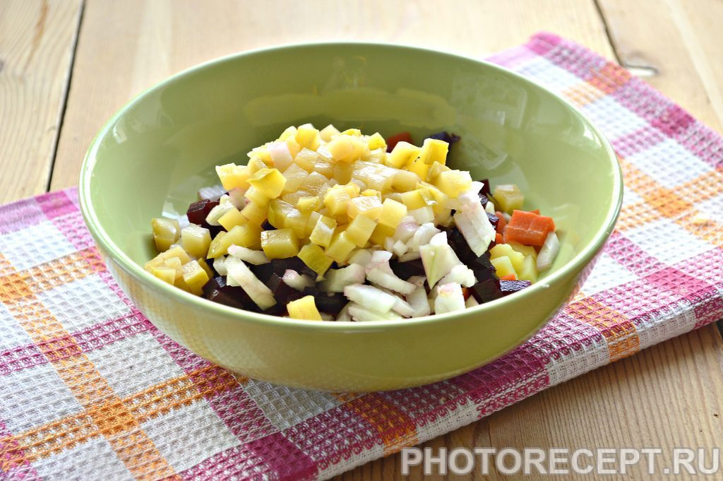 Фото рецепта - Винегрет с солеными кабачками - шаг 2