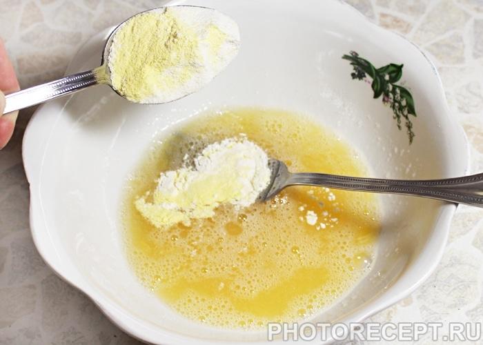 Фото рецепта - Блины из кукурузной муки - шаг 3