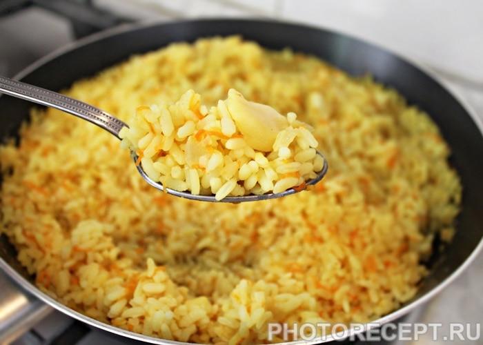 Фото рецепта - Гарнир из риса с морковью и карри - шаг 5