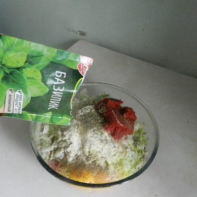 Фото рецепта - Греческие тефтели из индейки с кабачками - шаг 5