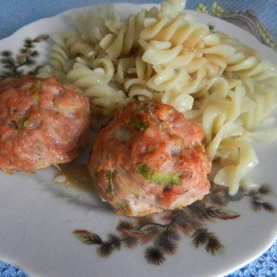 Греческие тефтели из индейки с кабачками - рецепт с фото