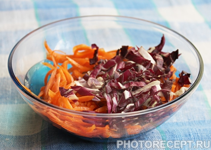 Фото рецепта - Салат из корейской моркови и тунца - шаг 1