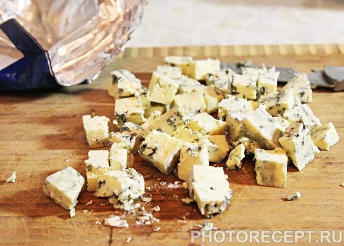 Фото рецепта - Салат из свеклы с сыром - шаг 3