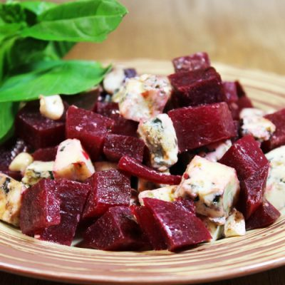 Салат из свеклы с сыром - рецепт с фото