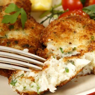 Котлеты из белой рыбы с сыром - рецепт с фото