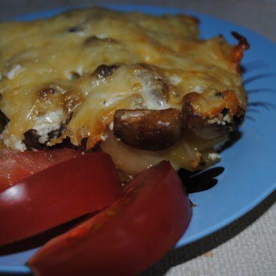Картофельная запеканка с шампиньонами - рецепт с фото