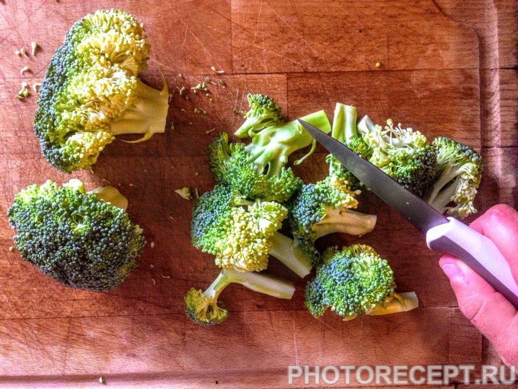 Фото рецепта - Салат из перловки с овощами и сыром - шаг 5