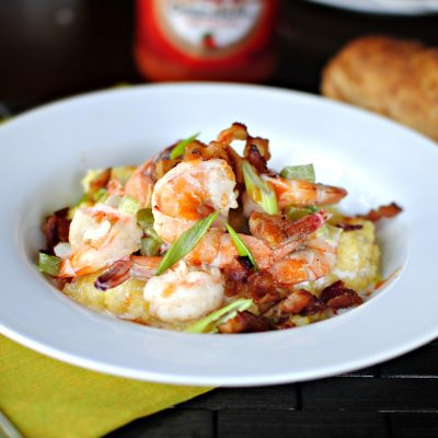 Ароматная яичница с креветками и сыром - рецепт с фото