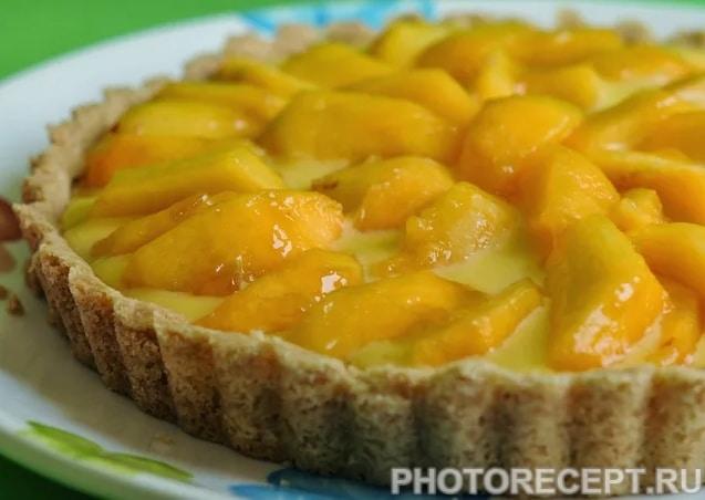 Лимонно-творожный пирог с сочными персиками