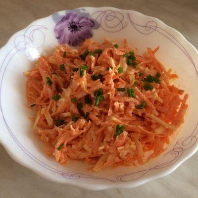 Салат из моркови с яйцом и сыром - рецепт с фото