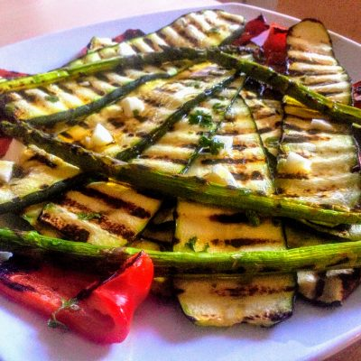 Цукини со спаржей и сладким перцем на гриле - рецепт с фото